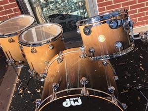 USED DW   USA Collector's Lacquer Specialty Burnt Toast Fade Lacquer  All Maple  5-piece shell kit