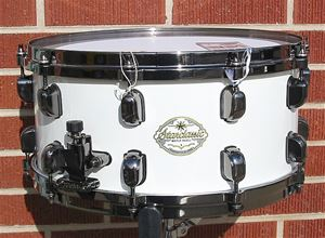"Tama Starclassic Maple 6.5"" x 14"" snare - Piano White lacquer - Model SMS1465FBN-PWH"