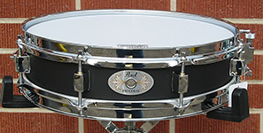 "Pearl 3"" x 13"" Steel Piccolo snare - Model S-1330B"